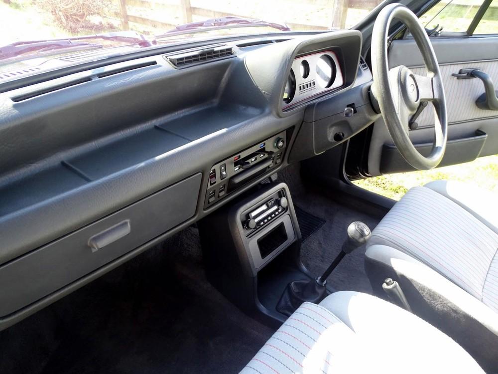 Nội thất như mới của chiếc Ford Fiesta