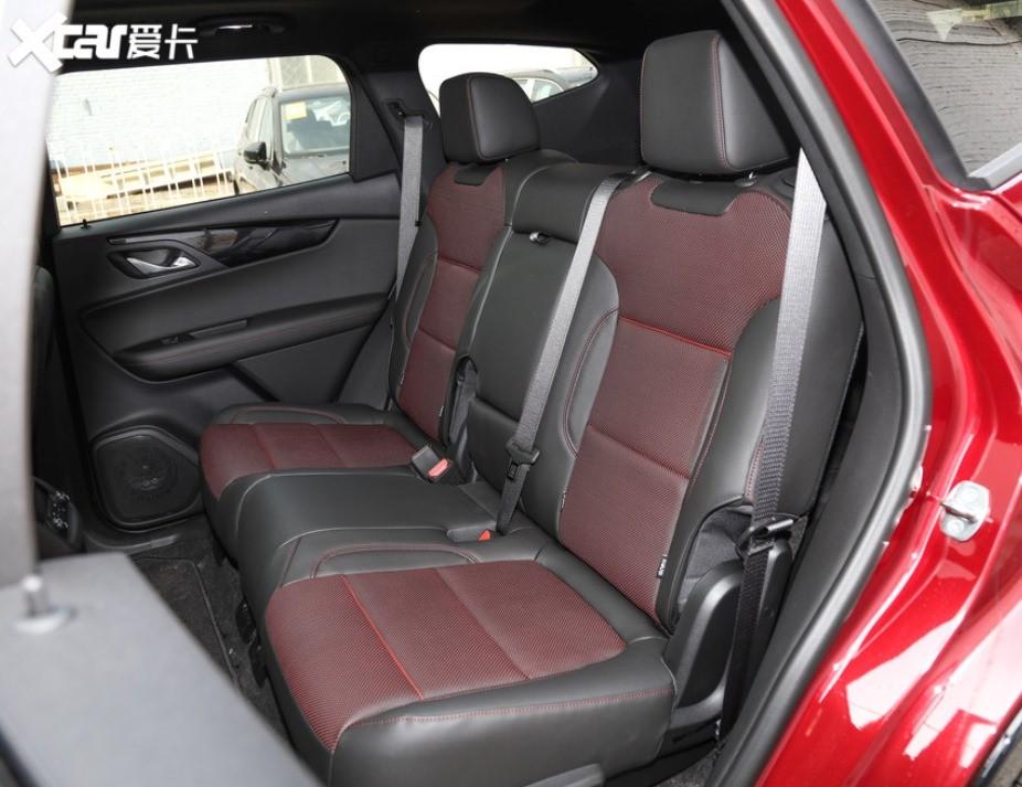 Hàng ghế thứ 2 của Chevrolet Blazer 2020