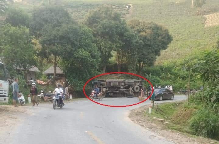 Hiện trường vụ tai nạn ô tô tải tại huyện Mường Khương, tỉnh Lào Cai