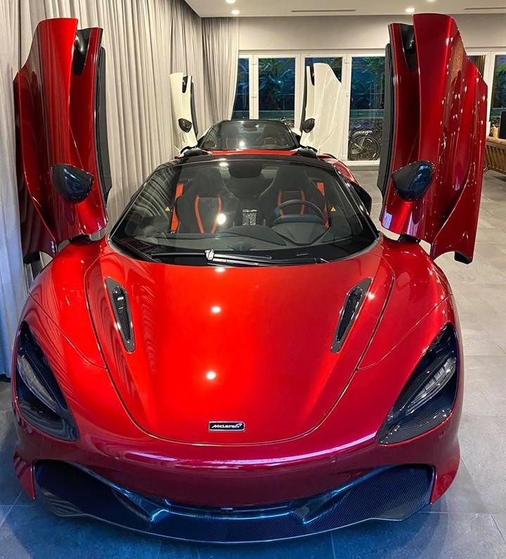 Vẻ đẹp của siêu xe mui trần McLaren 720S Spider màu đỏ Memphis độc nhất Việt Nam