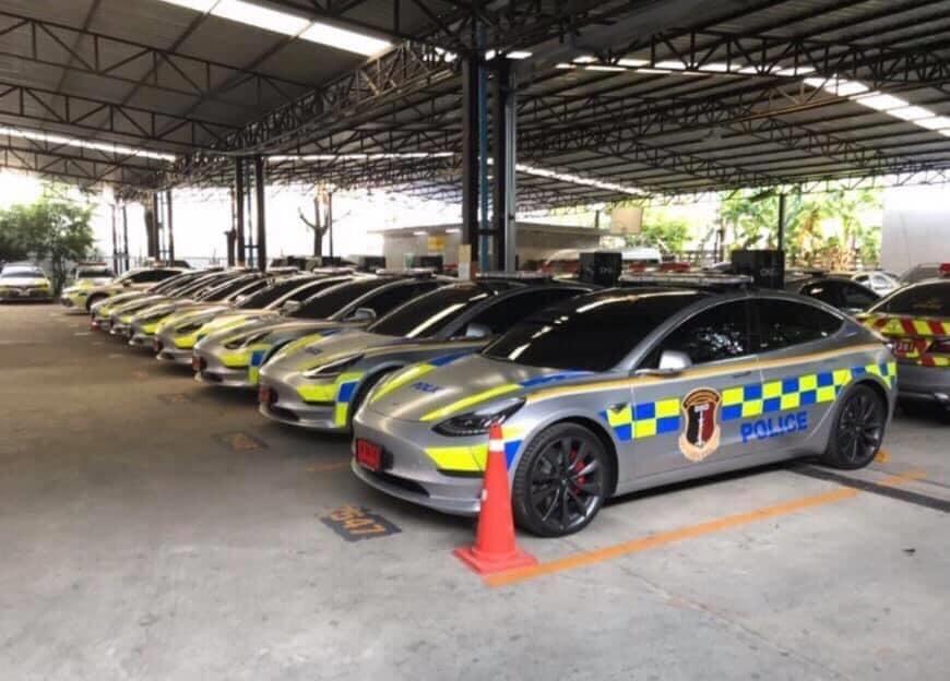 Dàn sedan chạy điện Tesla Model 3 mới gia nhập vào đội xe tuần tra cảnh sát Thái Lan
