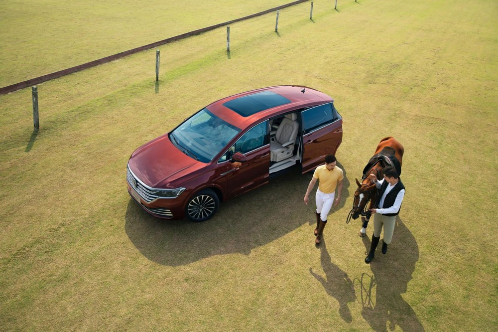 Cửa sổ trời toàn cảnh của Volkswagen Viloran 2020