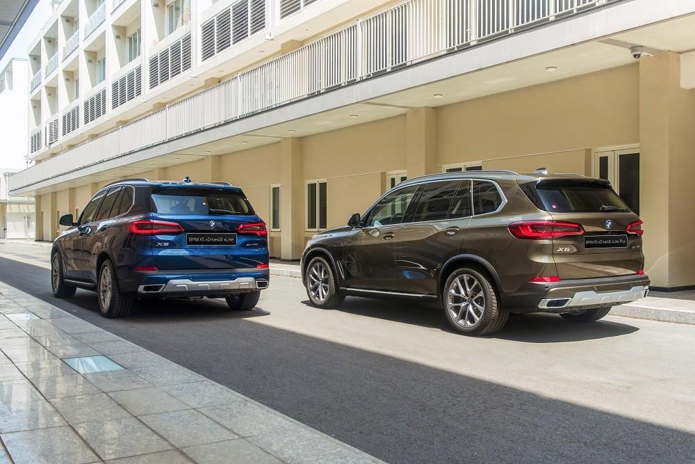 Đuôi xe BMW X5 xDrive40i xLine và xDrive40i xLine Plus 2020