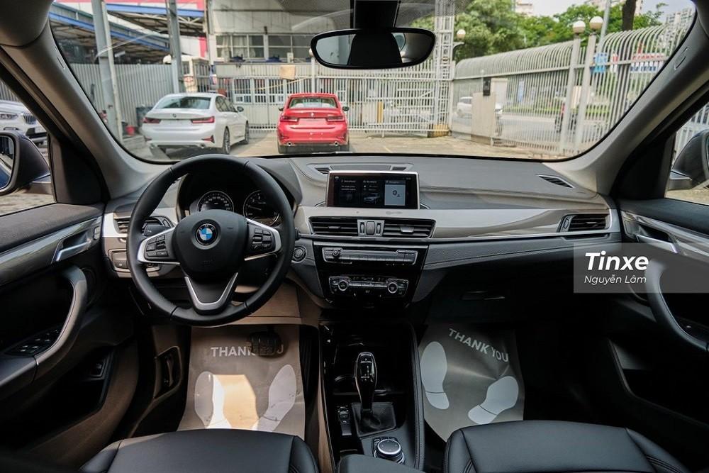 Nội thất sang trọng của BMW X1 sDrive18i xLine 2020
