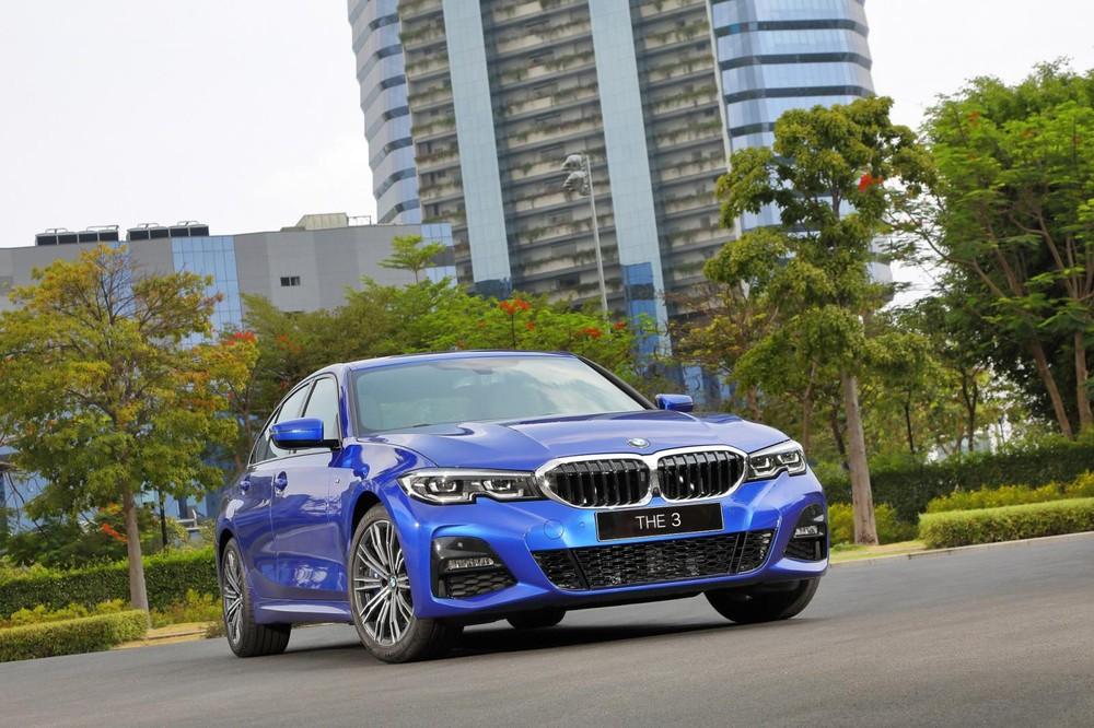 Trong đợt ra mắt xe này, THACO cũng nâng cấp nhẹ một số trang bị cho BMW 330i M Sport 2020
