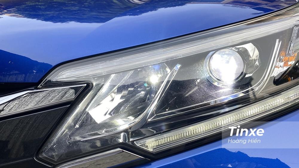 Đèn LED tạo cảm giác hiện đại cho những chiếc xe đời cũ và mang tới hiệu quả chiếu sáng tốt hơn.