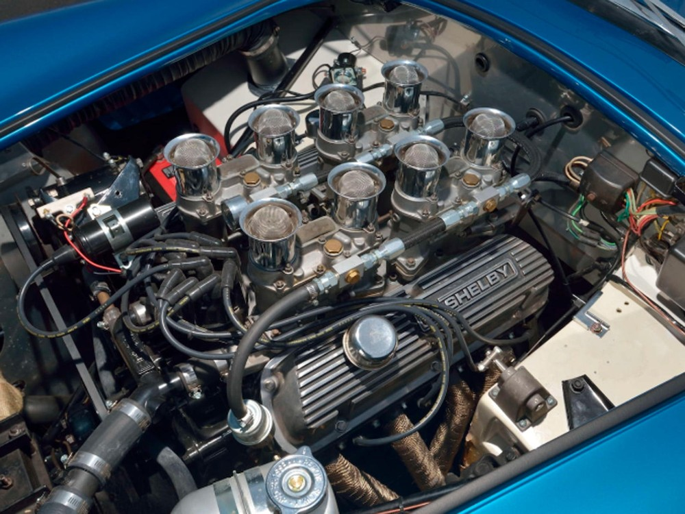 Engine system of the Shelby Cobra 289 1963