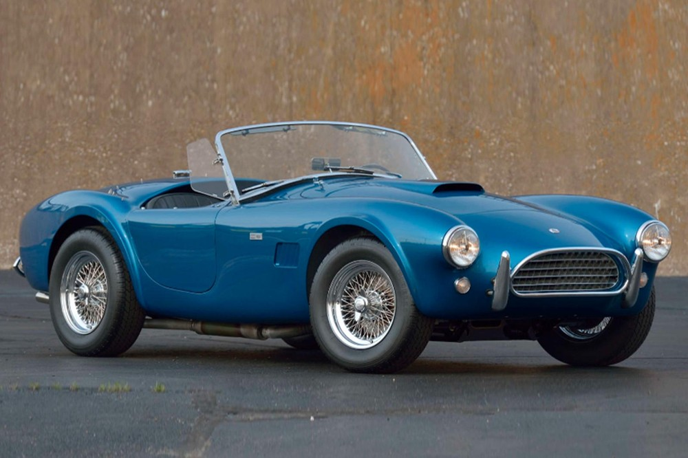 In front of the Shelby Cobra 289 1963