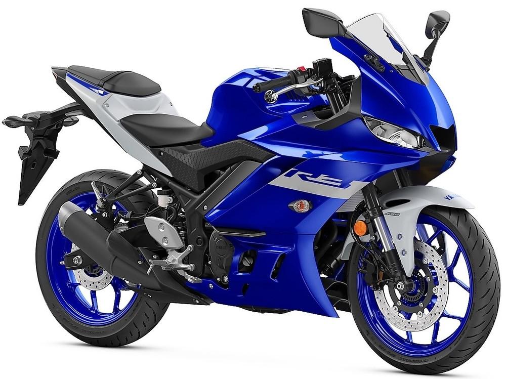 Xe R3 màu xanh