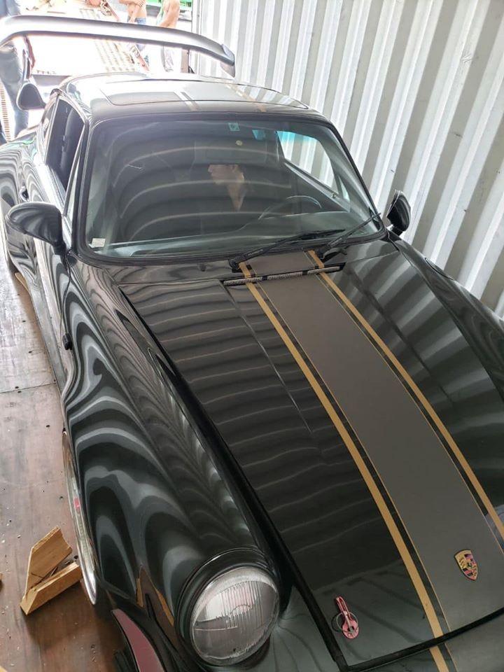 Ngoại hình xe nâng cấp lên body kit của Porsche 964 Turbo