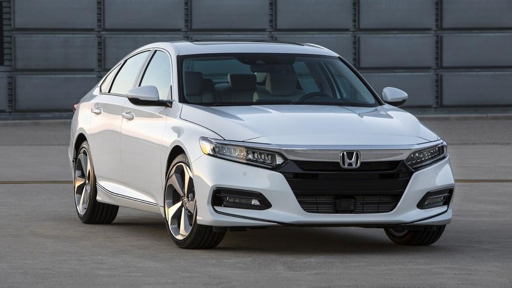 Giải phòng hàng tồn, đại lý áp dụng khuyến mãi tới 70 triệu đồng cho Honda Accord 2019