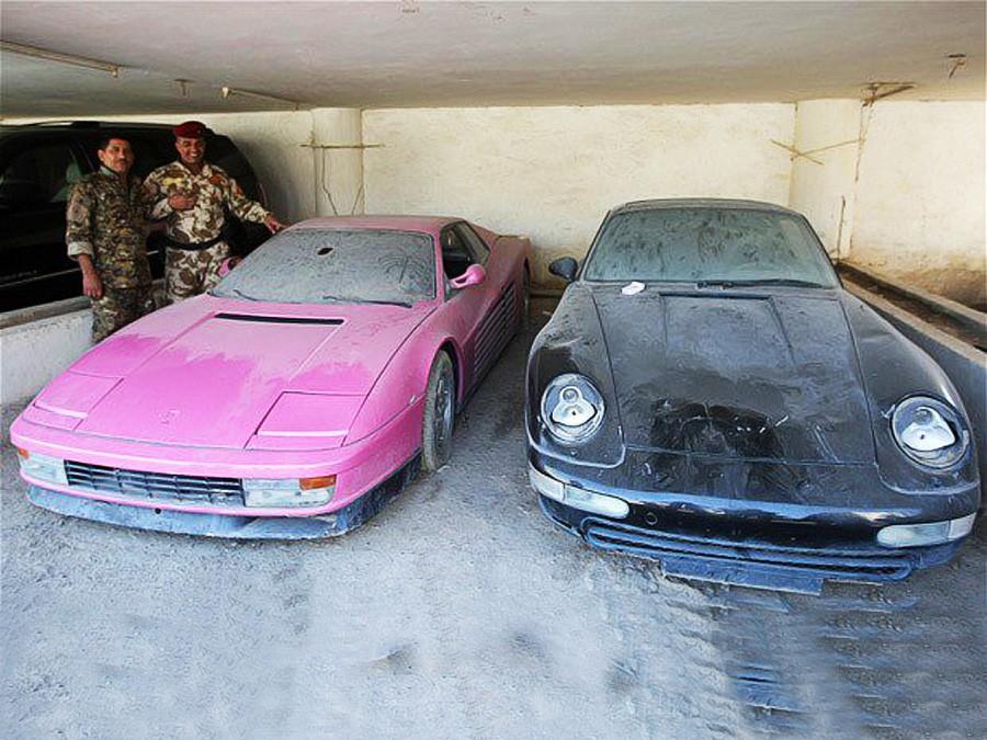 Cặp đôi xe Ferrari Testarossa màu hồng và Porsche màu đen của Uday