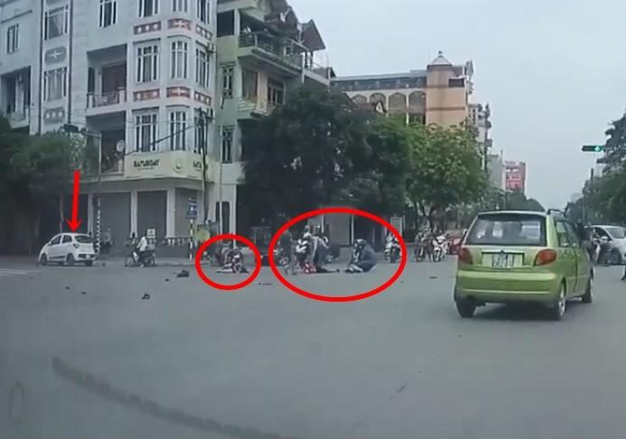 Hiện trường vụ tai nạn xe ô tô tông 3 mẹ con di chuyển trên xe máy ở Thái Nguyên