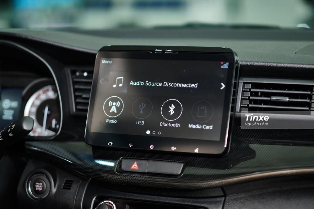 Màn hình giải trí của Suzuki XL7 2020 giống với Suzuki Ertiga, kích cỡ 10 inch có kết nối Apple CarPlay/ Android Auto