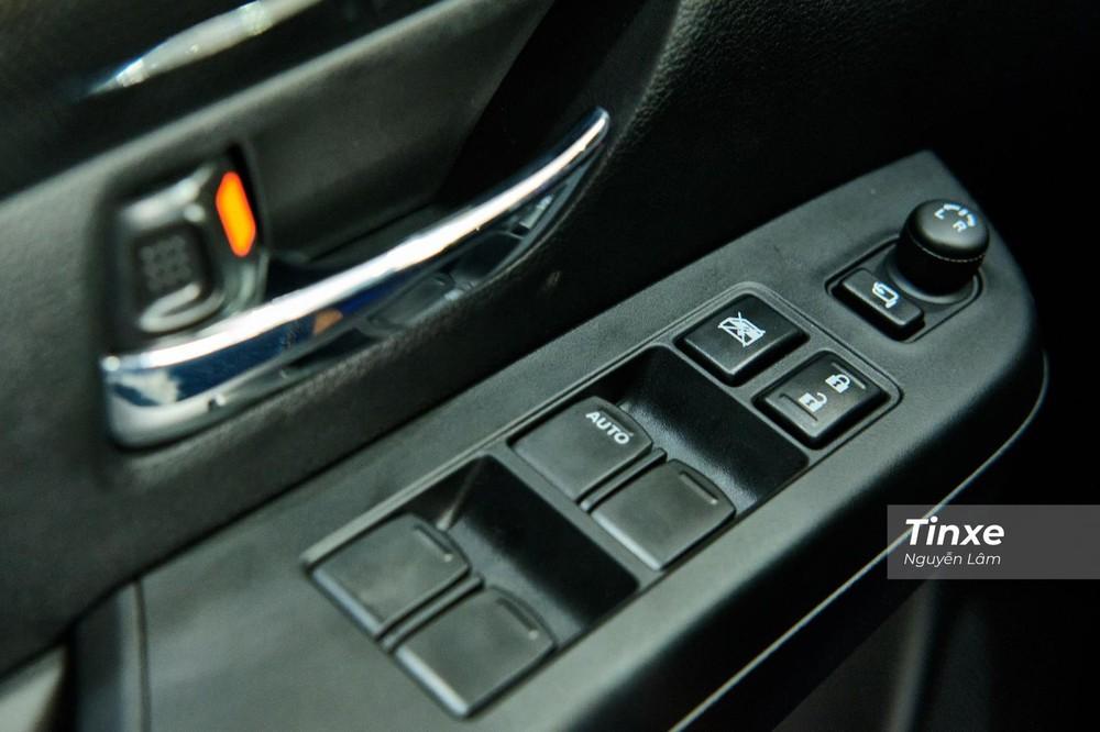 Cụm điều khiển bên phía người lái