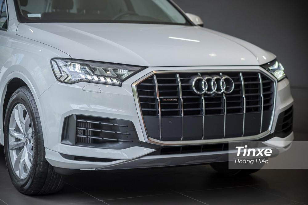 Đầu xe của Audi Q7 2020