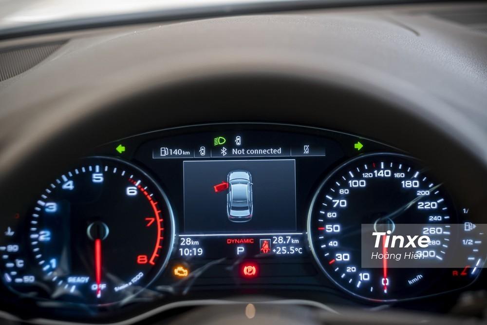 màn hình điện tử hiển thị Audi Virtual Cockpit phía sau vô-lăng của Audi A4 2020