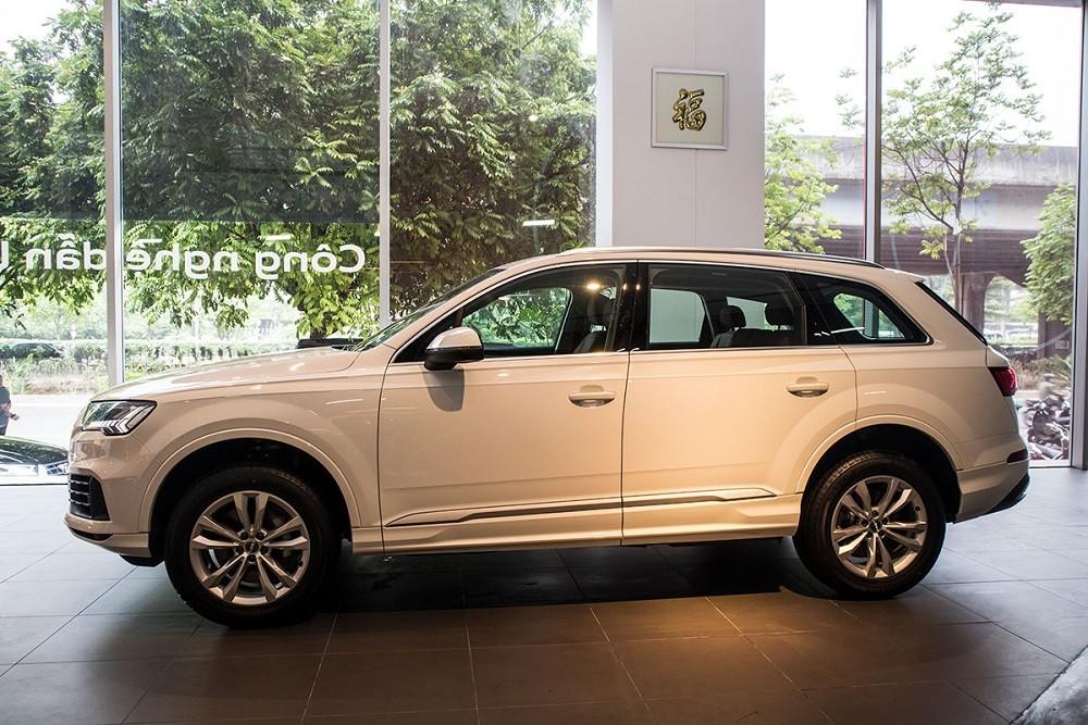 Thân xe Audi Q7 2020