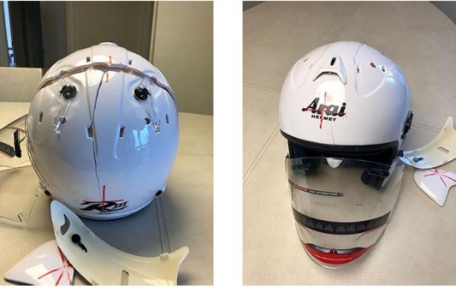 Chiếc mũ Arai Fake với các đường nét khá dại sau màn thử nghiệm va đập