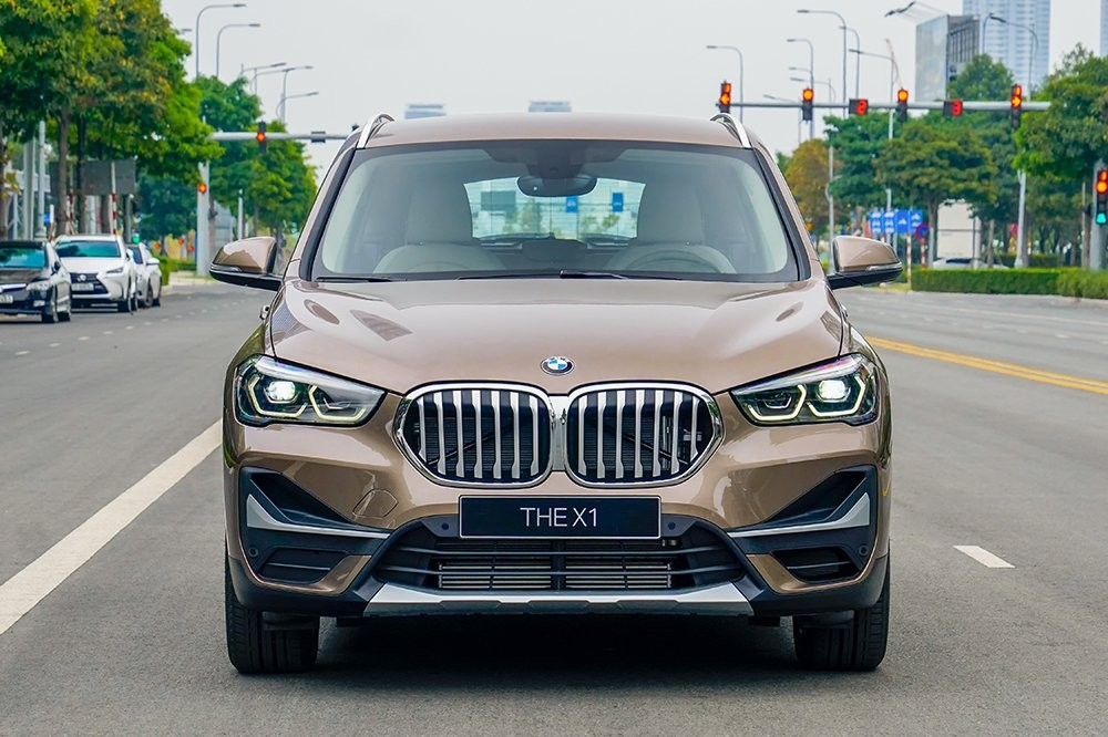 Đầu xe của BMW X1 2020
