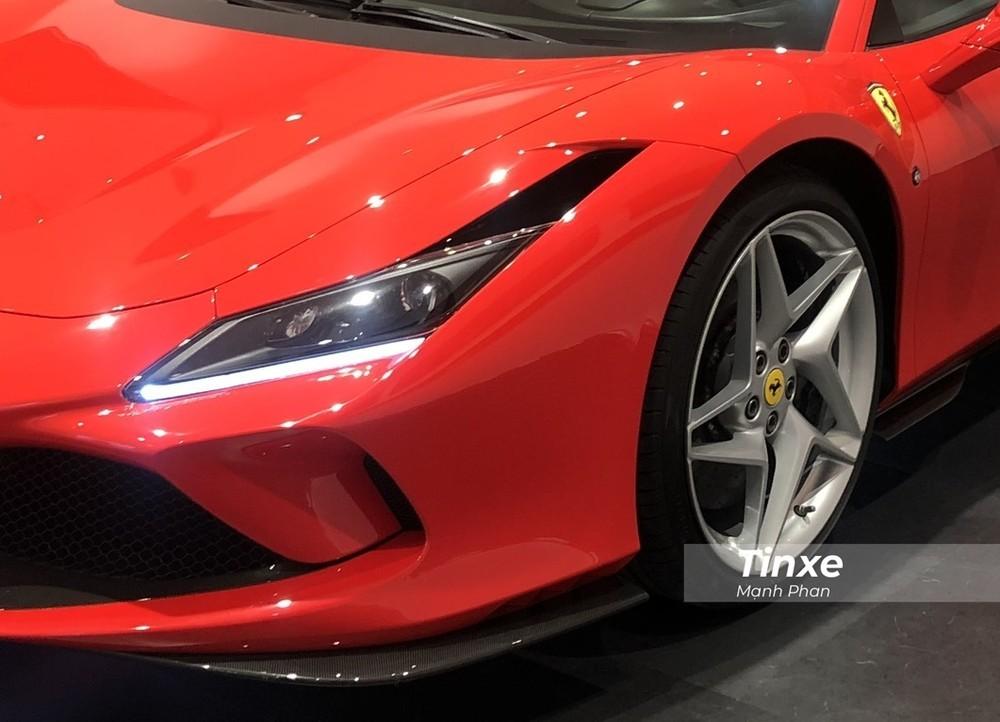 Ngoại hình của Ferrari F8 Tributo khá khoẻ khoắn