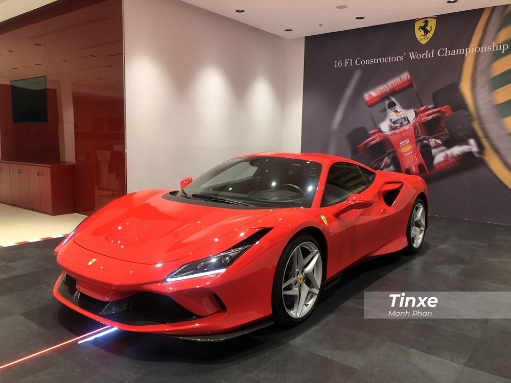 Đây là chiếc siêu xe Ferrari F8 Tributo được nhập chính hãng về Việt Nam