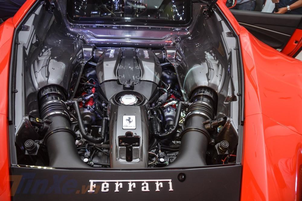 Còn đây là trái tim của siêu xe Ferrari F8 Tributo