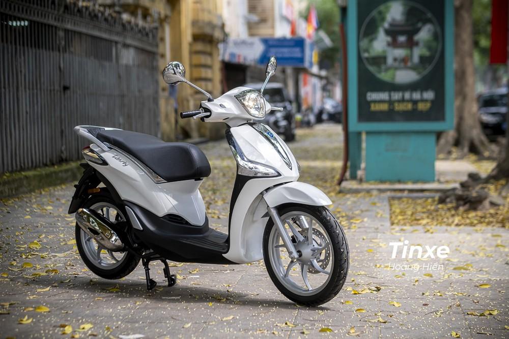 Piaggio Liberty 50cc thừa hưởng toàn bộ thiết kế của người anh em Piaggio Liberty 125cc.