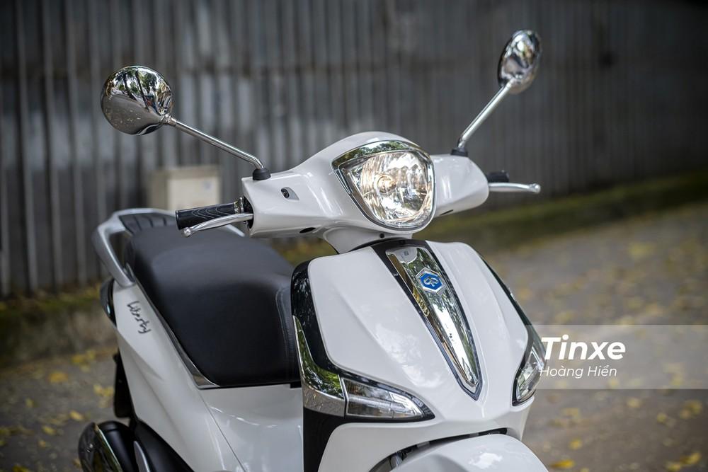 Piaggio Liberty 50cc vẫn chỉ sở hữu đèn chiếu sáng dạng Halogen.