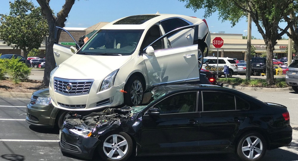 Hiện trường vụ tai nạn khá hi hữu