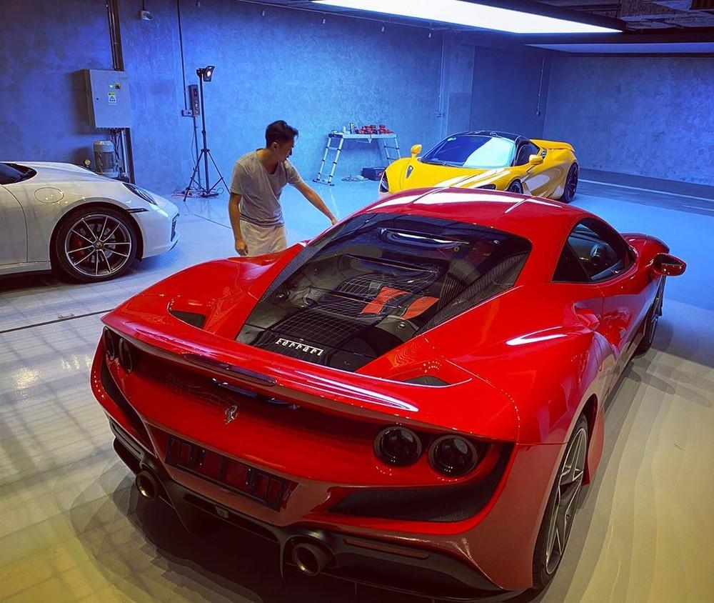 Cường Đô-la cùng dàn siêu xe và xe thể thao có mặt trong garage của mình