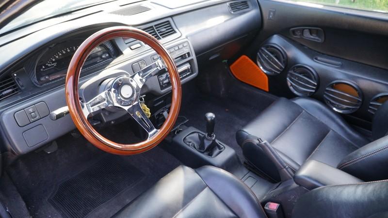 Nội thấtcủa chiếc Honda Civic 1993 nhái Bugatti Veyron