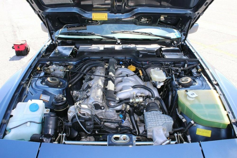 Hệ thống động cơcủa chiếc Porsche944 S2 1990