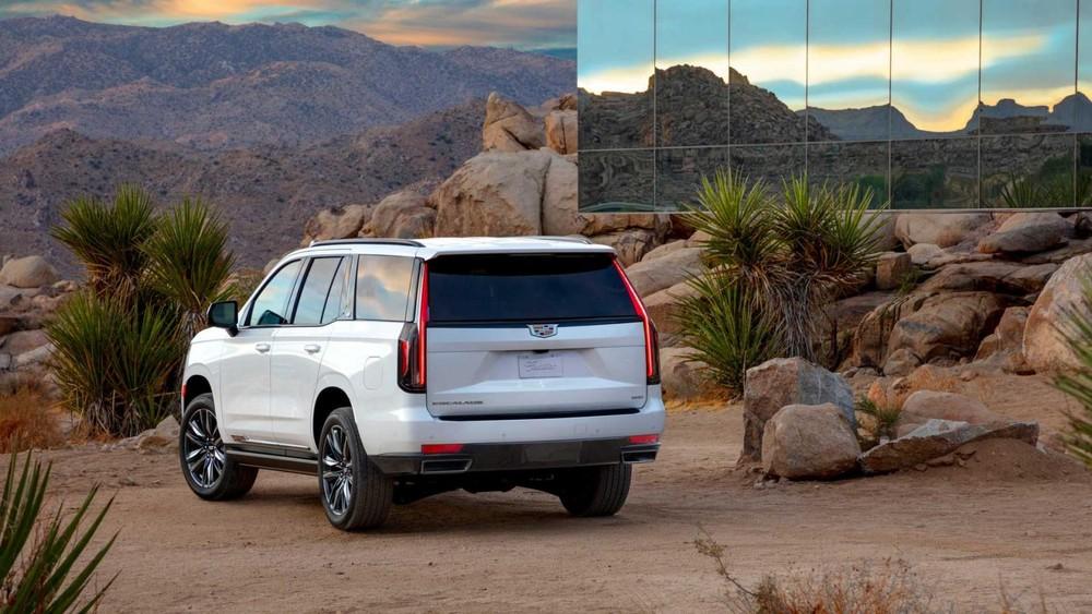 Cadillac Escalade 2021 còn có bản máy dầu tiết kiệm nhiên liệu hơn