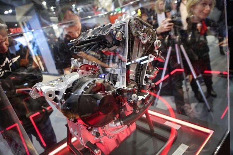 Tay biên của động cơ Honda CBR1000RR-r bị lỗi, có nguy cơ gây hỏng động cơ