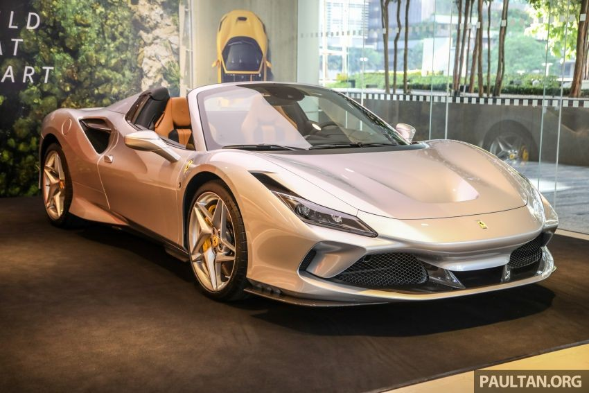The first Ferrari F8 Spider supercar to Malaysia was temporarily imported for re-export and only meant for display as well as giving wealthy customers in Malaysia the opportunity to see the latest convertible supercar of the company. Ferrari before the intention to order.