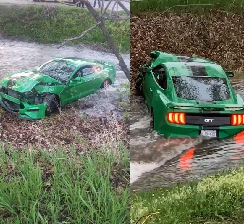 Chiếc Ford Mustang GT bị hư hỏng nặng sau vụ tai nạn