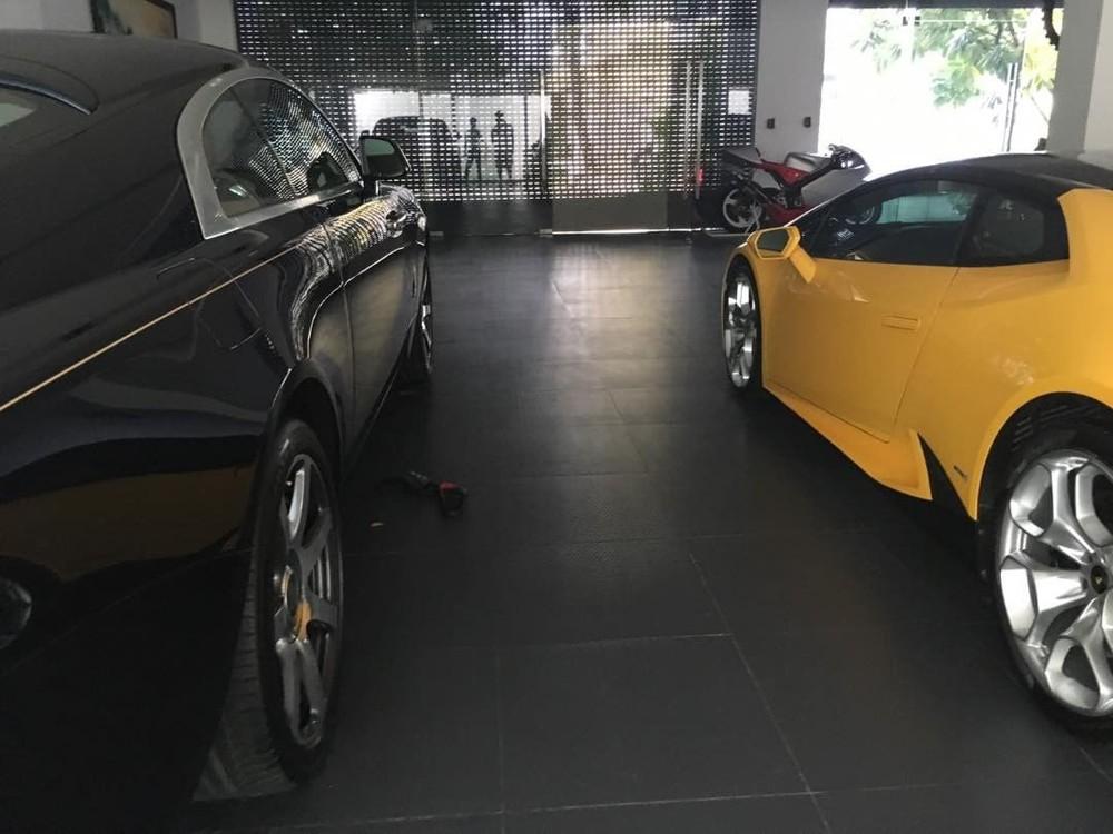 Chiếc Rolls-Royce Wraith này là của một người bạn Cường Đô-la gửi nhờ chứ không phải là do doanh nhân phố núi mua như các thông tin truyền thông vào năm 2016 đăng tải