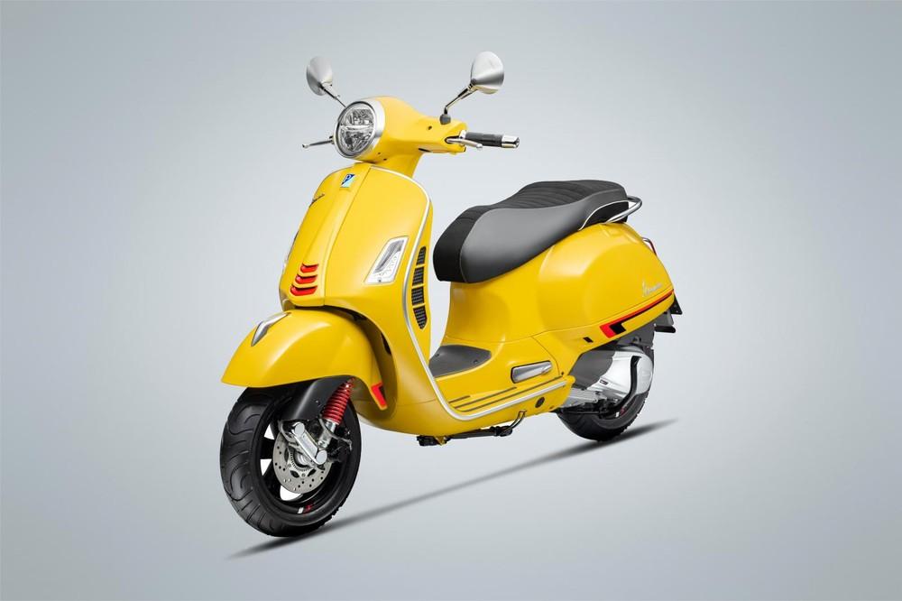 Màu vàng nắng mới trên Vespa GTS Super Sport 150cc.