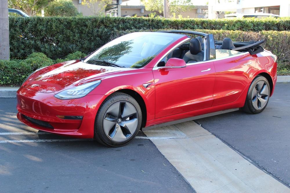 Tesla Model 3Convertible là sản phẩm củaNewport Convertible Engineering chứ không phải chính hãng