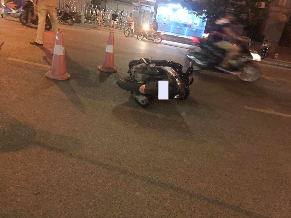 Chiếc xe máy tại hiện trường vụ tai nạn