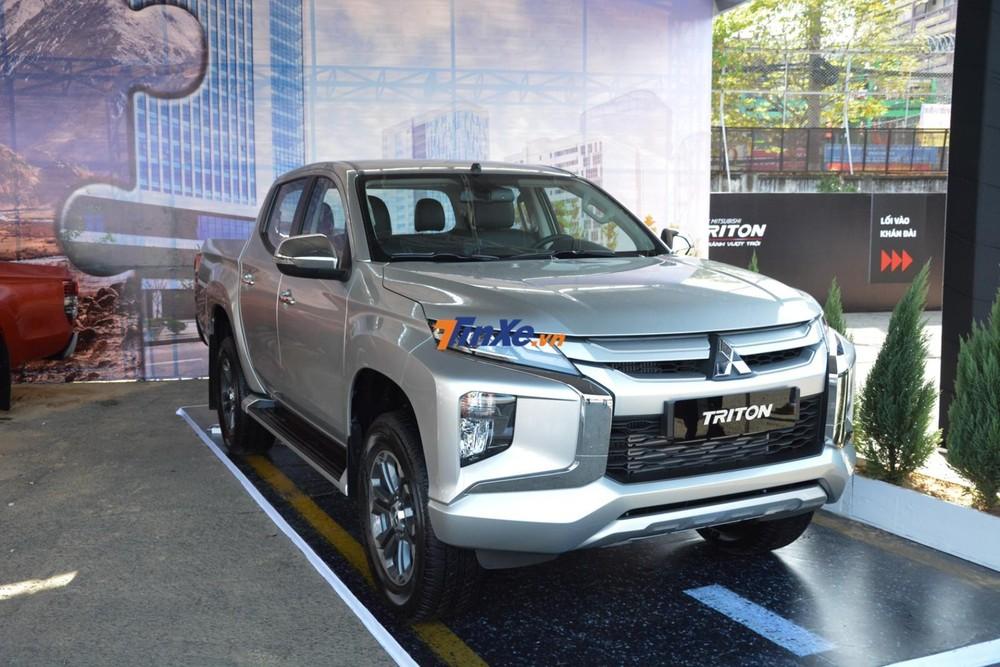 """Những chiếc Mitsubishi Triton 4x4 AT đang được đại lý giảm giá sâu để """"xả kho"""""""
