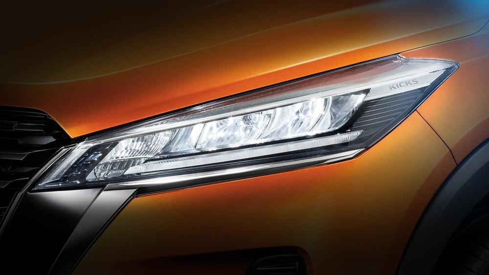 Cụm đèn pha sắc sảo và thanh mảnh hơn của mẫu SUV cỡ B này