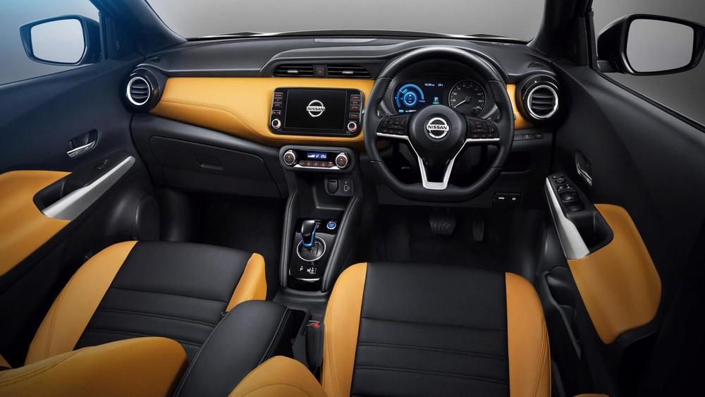 Nội thất bọc da phối 2 màu của Nissan Kicks 2020