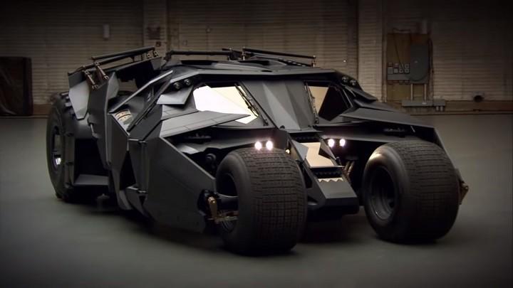 Batmobile Tumbler trong bộ ba phim củaChristopher Nolan
