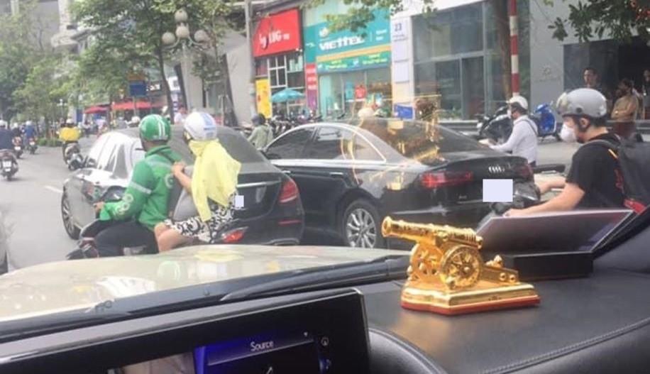 Vụ va chạm giao thông này khiến đường Hoàng Đạo Thúy bị ùn tắc