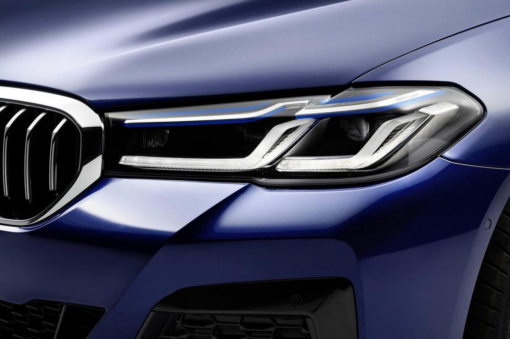 Cụm đèn pha thanh mảnh hơn, tích hợp dải đèn LED hình chữ L của BMW 5-Series mới