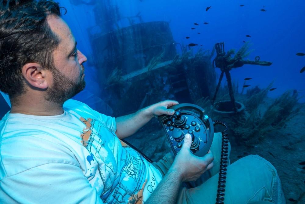 Nhỏ gọn là thế, nhưng Nemo vẫn đủ mang tới trải nghiệm lặn biển tiện nghi cho 2 người