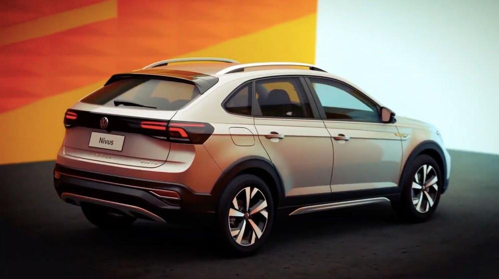 Volkswagen Nivus 2021 nhìn từ phía sau