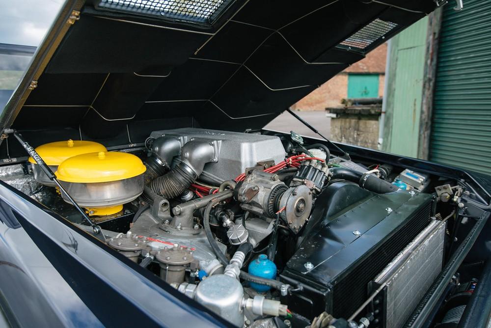 Khối động cơ V12 từ Countach